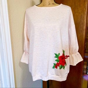 New L/LARGE Oversized EASEL Knit Embroidered Top